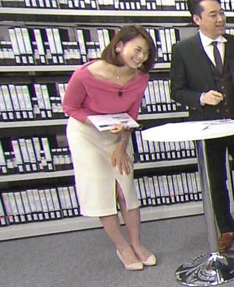 秋元玲奈 横乳画像5
