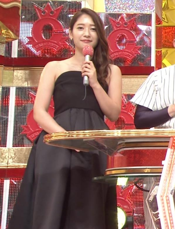 吉田明世 セクシードレス画像2