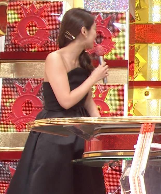 吉田明世 セクシードレス画像3