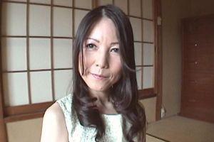 【無修正】50代可愛い熟女人妻のおまんこ犯す無料裏ビデオ映像