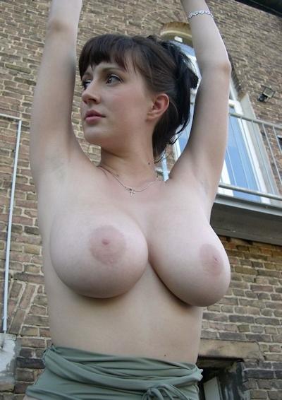 巨乳な西洋美女のヌード画像 14