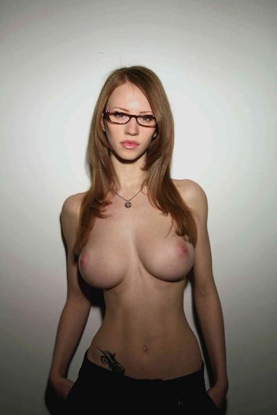 巨乳な西洋美女のヌード画像 28