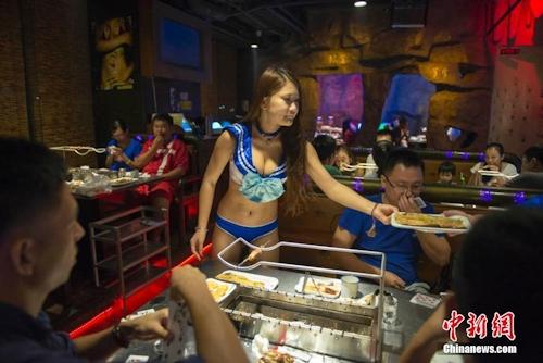 中国・海口 ビキニレストラン画像 3