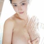 巨乳な中国美女モデルのセクシーセミヌード画像