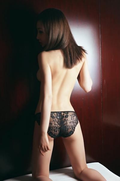 中国美女モデル・尤美Yumi セミヌード画像 16