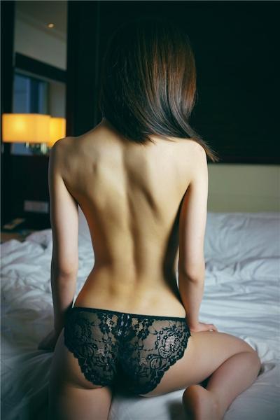 中国美女モデル・尤美Yumi セミヌード画像 18