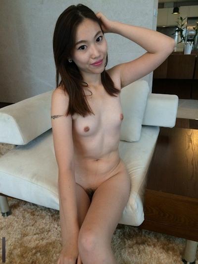 2人の若い中国美女モデルをホテルで撮影したヌード画像 2