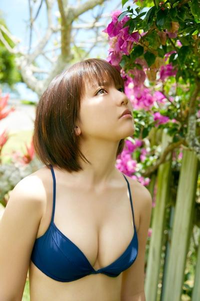 真野恵里菜 ビキニ画像 3