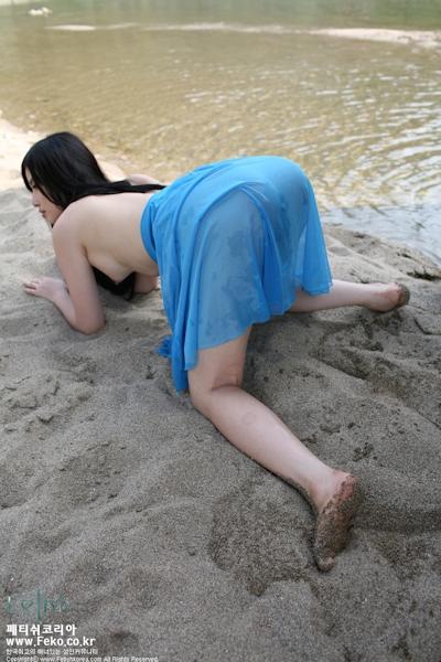 美乳な韓国美女のヌード画像 7