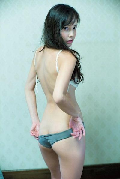 伊藤ゆみ (旧:ICONIQ/アイコニック) セクシーセミヌード画像 6