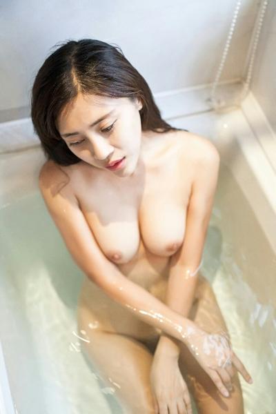 中国巨乳美女モデル 舒欣宝儿(Shuxinbaoer) 入浴ヌード画像 4
