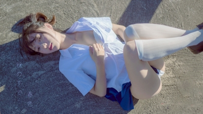 JK制服を着た美少女のセクシー画像 4