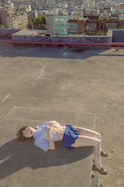 JK制服を着た美少女のセクシー画像 9