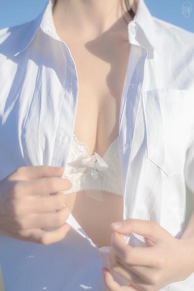 JK制服を着た美少女のセクシー画像 15