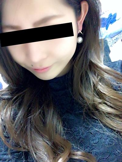 ギャル系な日本の素人美女の自分撮りヌード画像 1