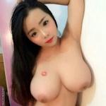 Hカップ巨乳な中国美少女の流出自分撮りヌード画像