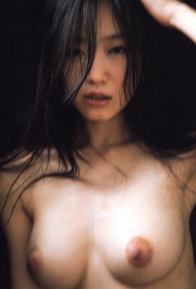 佐々木心音 ヌード画像 21