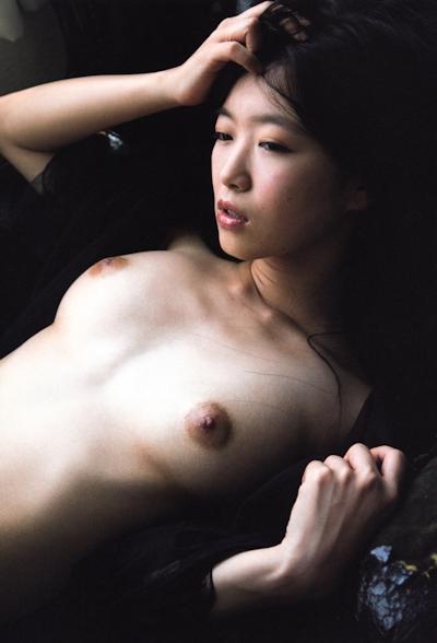 佐々木心音 ヌード画像 27