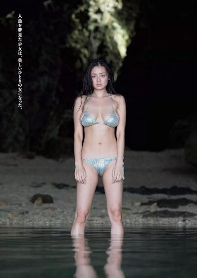 片山萌美 ビキニグラビア画像 5