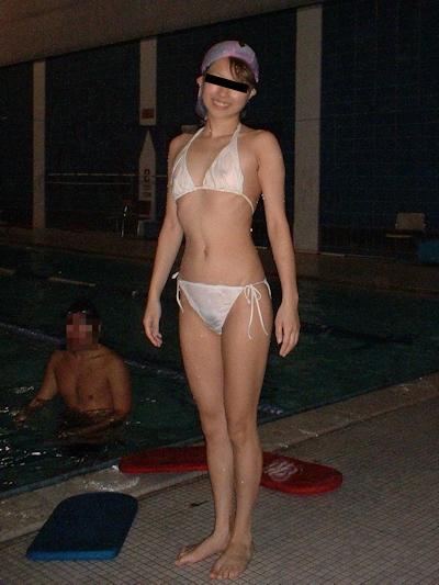 美乳な日本の素人美女の流出ヌード画像 4