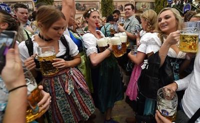 ドイツでビールの祭典 「Oktoberfest(オクトーバーフェスト) 2016」 開幕 2