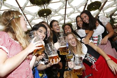 ドイツでビールの祭典 「Oktoberfest(オクトーバーフェスト) 2016」 開幕 10