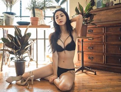 韓国美女モデル Lee Chae Eun セクシーランジェリー画像 13