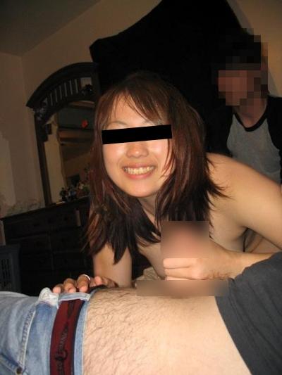 美乳な日本の素人美女の流出ヌード画像 14