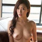 美竹すず セクシーヌード画像2