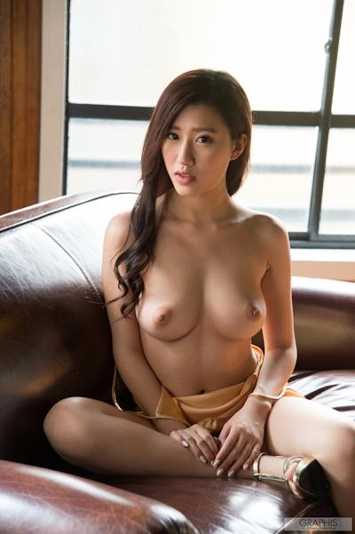 美竹すず セクシーヌード画像 6