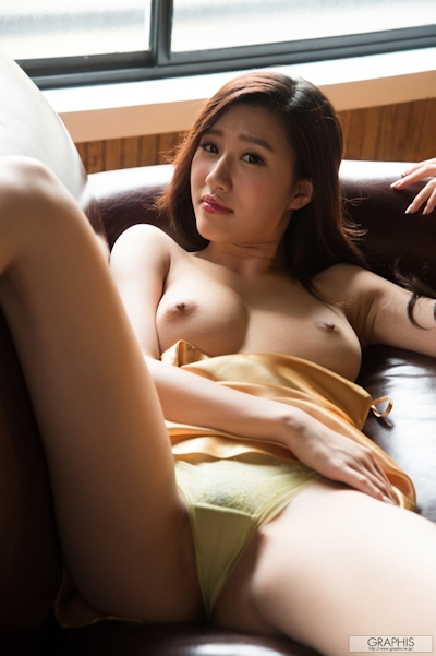 美竹すず セクシーヌード画像 9