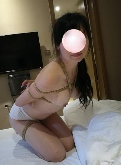 中国女性の緊縛ヌード画像 4