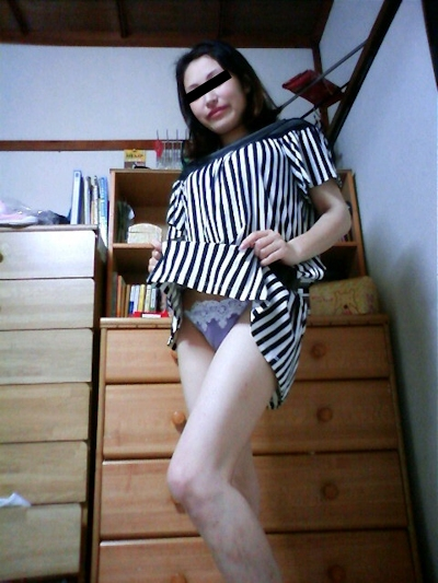 美熟女の自分撮りヌード画像 2