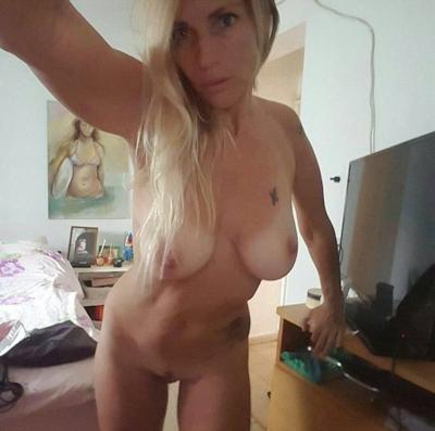 Sharon Perry(シャロン・ペリー)の自分撮り流出ヌード画像 2