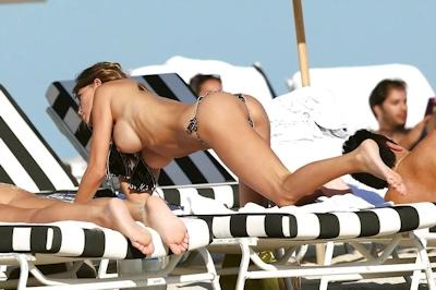 Claudia Galanti(クラウディア・ガランティ)がパパラッチされたトップレス画像 5