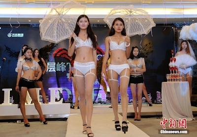 中国・太原でVictoria's Secretを模したランジェリーショーを開催 4
