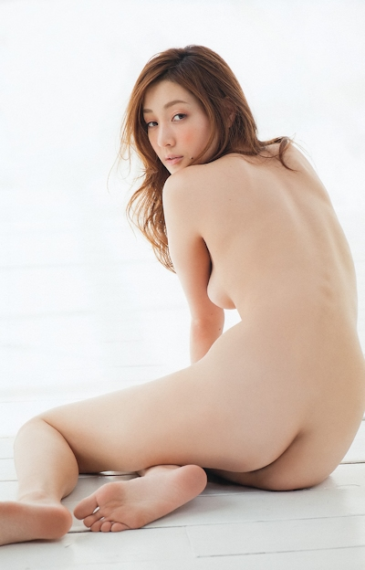 池田夏希 セクシーセミヌード画像 3