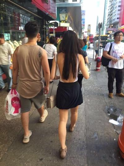 香港の横チチ見えてるセクシーファッションの女性 1