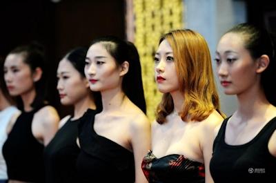 中国・済南で大学生のモデルコンテスト開催 4
