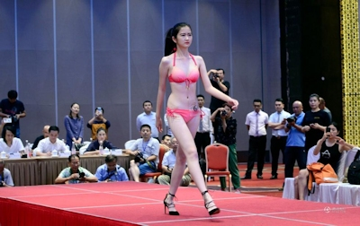 中国・済南で大学生のモデルコンテスト開催 5