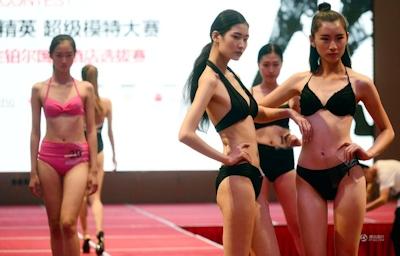 中国・済南で大学生のモデルコンテスト開催 6