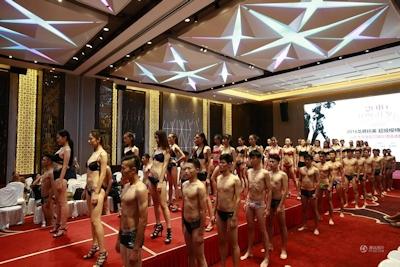 中国・済南で大学生のモデルコンテスト開催 8