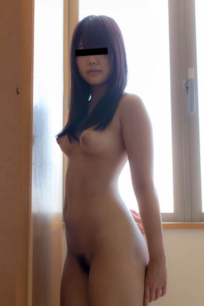 素人美少女のヌード画像 4