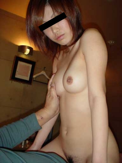 Dカップ美乳な日本の素人美女の流出ヌード画像 8
