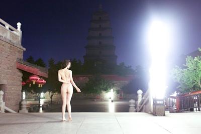 中国美女のアートな野外露出ヌード画像 6