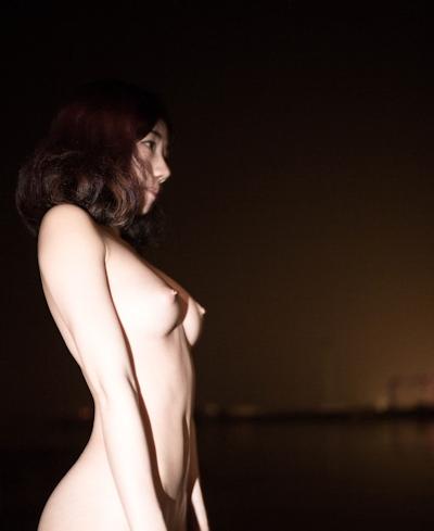中国美女のアートな野外露出ヌード画像 8