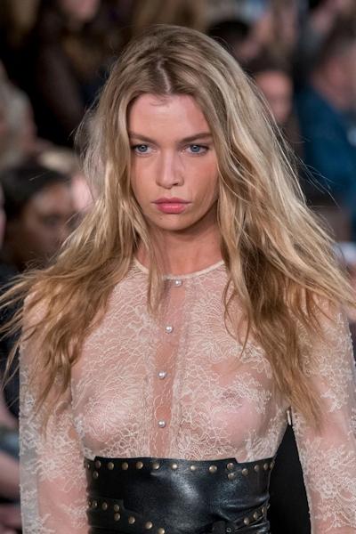 Stella Maxwell(ステラ・マックスウェル) ファッションショースケ乳首 4