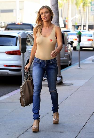 スーパーモデル Joanna Krupa(ジョアンナ・クルパ) ノーブラ乳首ポッチ画像 2