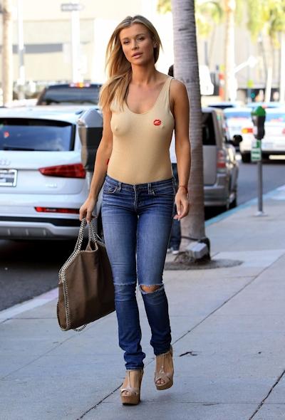 スーパーモデル Joanna Krupa(ジョアンナ・クルパ) ノーブラ乳首ポッチ画像 5