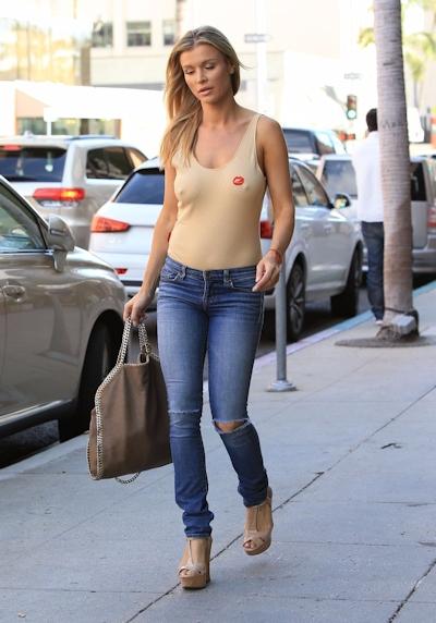 スーパーモデル Joanna Krupa(ジョアンナ・クルパ) ノーブラ乳首ポッチ画像 7